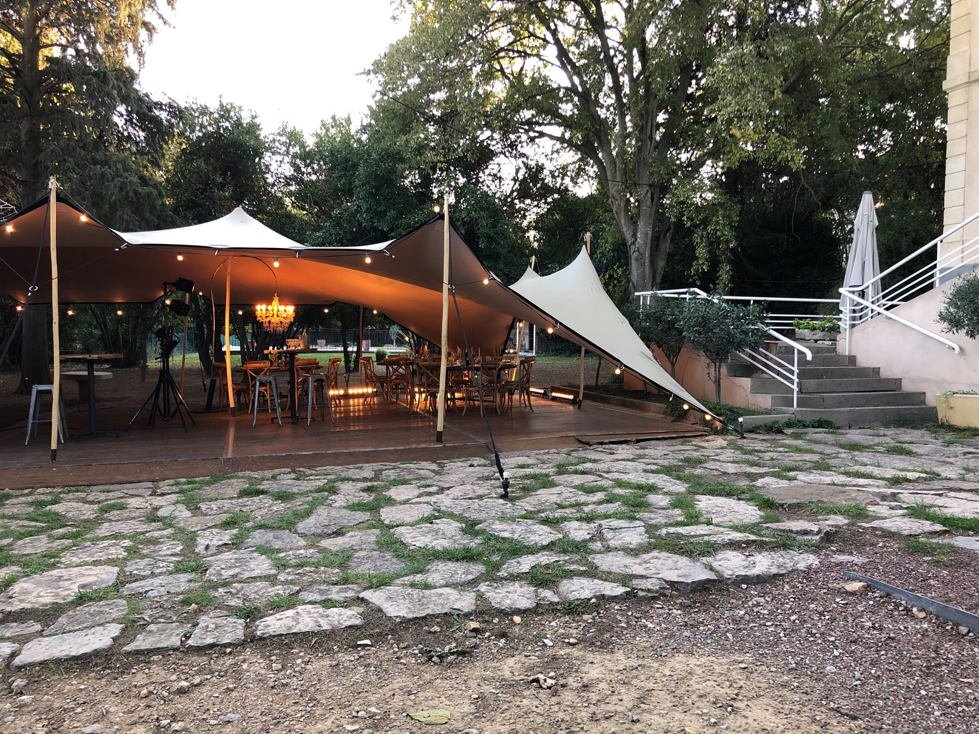 location chapiteau tente Barnum nomade stretch Montpellier Nimes
