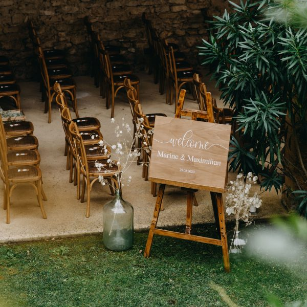 cérémonie laïque mariage décoration location Gard Provence Mobilier en bois